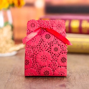 Flower Design Wrapping Gift Box Red