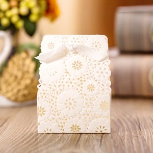 Flower Design Wrapping Gift Box White