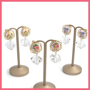 Retro Flower Motif Clear Cut Beads Earring