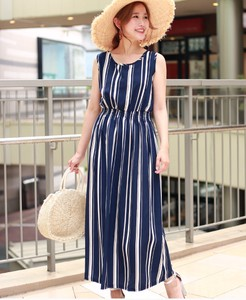 Repeating Pattern Long One-piece Dress