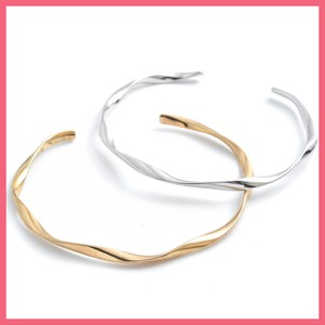 2018 A/W Twist Metal Bangle