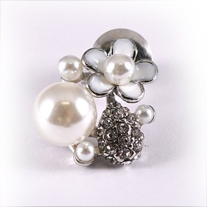 Glitter Brooch Flower Pearl Flower Tuck Fashion Gift