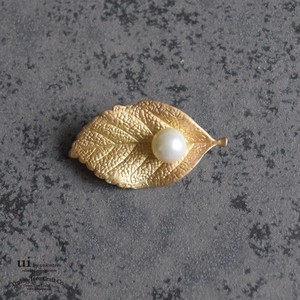 2018 A/W Brooch Leaf Fake Pearl Gold Accessory