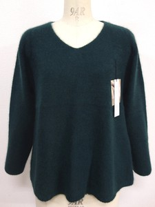Raccoon V-neck Pullover